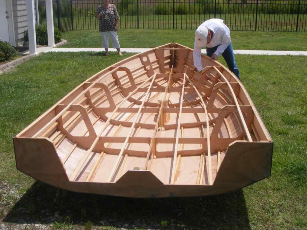 Процесс изготовления деревянной лодки